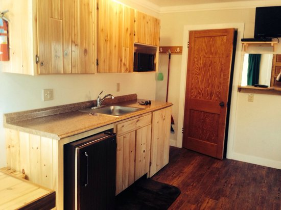 Mackinac Lakefront Cabin Rentals: Nice and clean