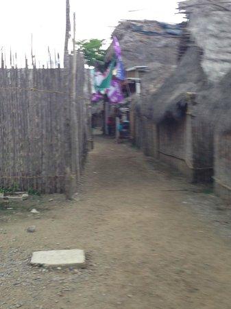Yandup Island Lodge: Ukupseni alley