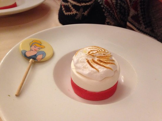 Auberge De Cendrillon: Child's dessert