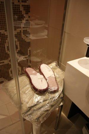 Hotel Moresco : Peignoirs, pantoufles et draps de toilette