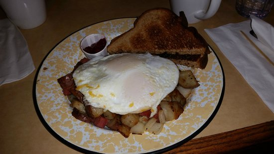 The Courtyard Cafe : Corned Beef Hash with Eggs