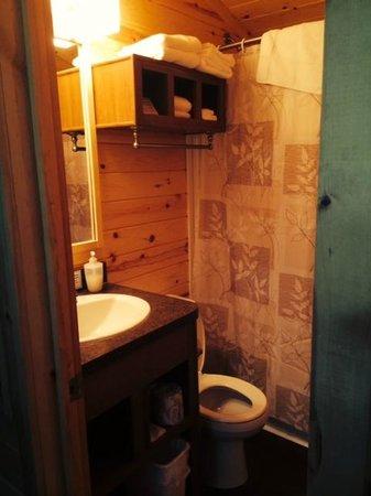 Boston/Cape Cod KOA: Bathroom