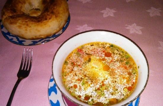 Uzbekistan: schurpa suppe