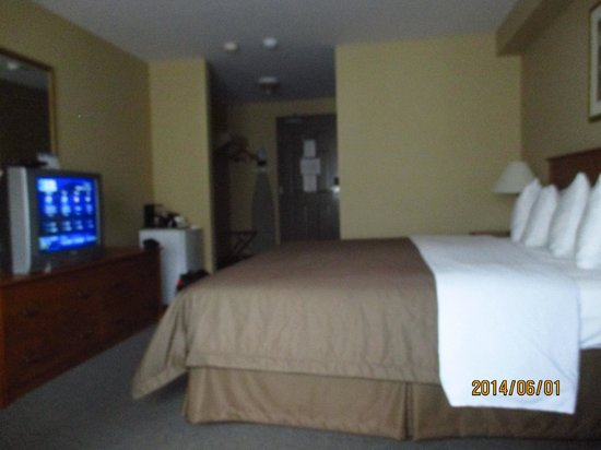 Super 8 Sault Ste Marie ON: my room