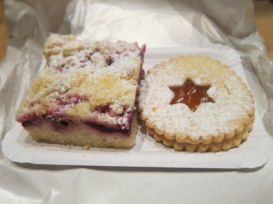 Jan Paukert: Cherry tart & Czech cookie