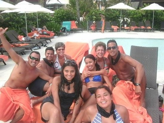 Now Jade Riviera Cancun: Now Jade Entertainment Team ~ FaNtAsTiC group
