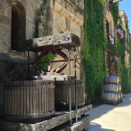 Chateau Montelena : The ancient technology