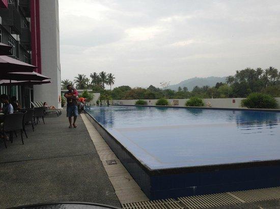 favehotel Cenang Beach - Langkawi : pool
