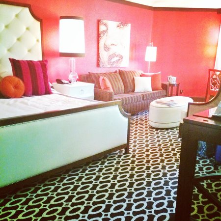 Riviera Palm Springs Resort: Our room!!