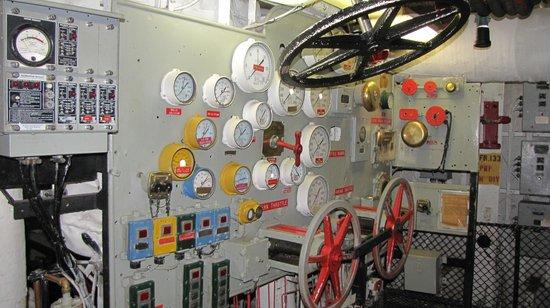 USS LEXINGTON: Below decks in engine room