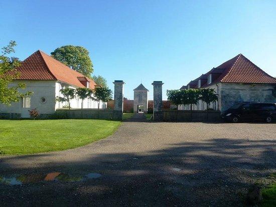 La Cour de Remi: Accommodation and the restaurant