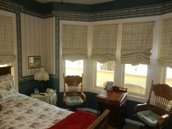 The Groveland Hotel: Lotta Crabtree Room (Number 6)