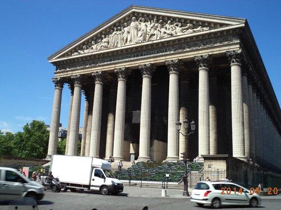 La Madeleine: Neo-Classical Facade