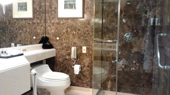 JW Marriott Hotel Seoul: el baño