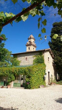Borgo Storico Seghetti Panichi : The chapel in the grounds taken from the breakfast area