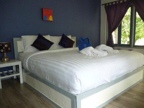 Soontreeya Lanta: that bed again