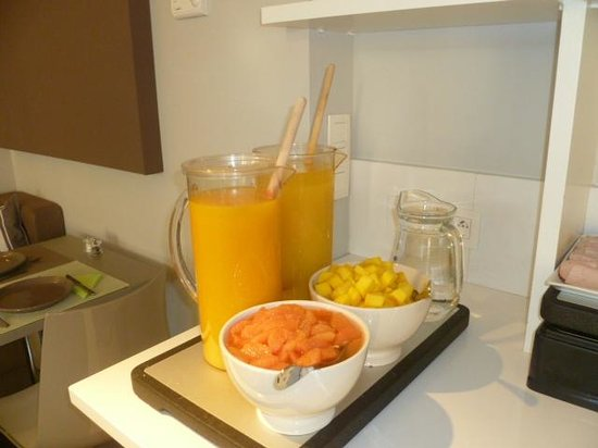 Made in Louise: More of the breakfast yummies, freshly squeezed orange juice