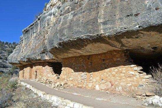 Walnut Canyon National Monument : Go Inside!