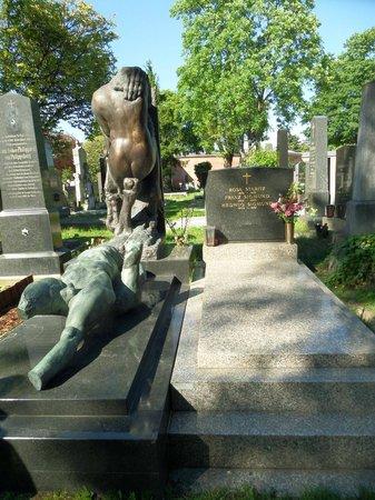 Central Cemetery (Zentralfriedhof): Indescifrable
