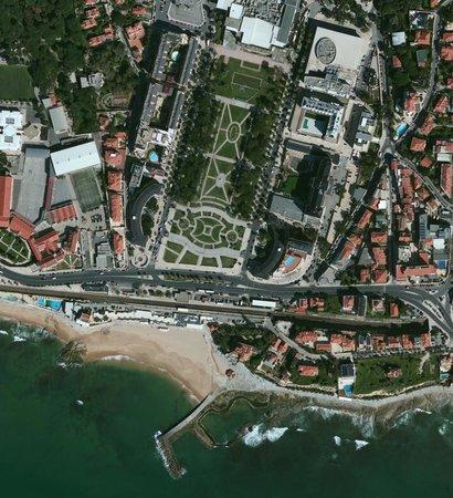Hotel Inglaterra: View of Estoril and Hotel de Inglaterra from heaven...