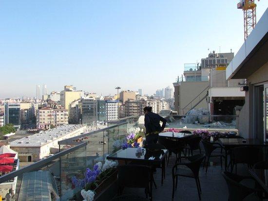 Alkoclar Istanbul Keban: Café da manhã - área externa