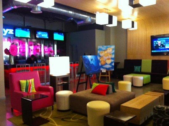 Aloft Cancun: El bar del lobby
