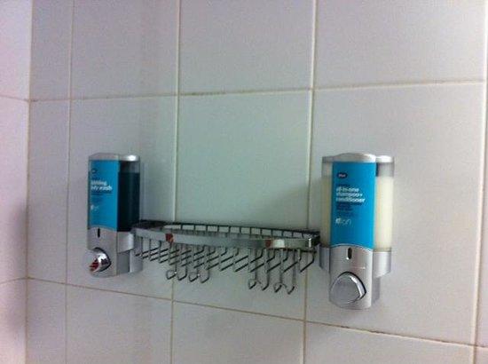 Aloft Cancun: El dispensador de shampoo