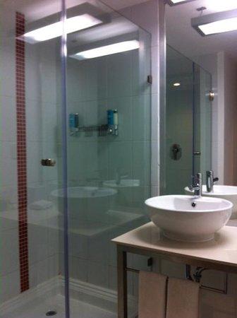 Aloft Cancun: Me voy a comprar una regadera como la del hotel