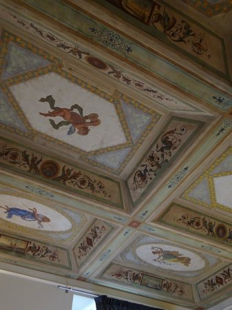 Suite Little Queen: Restored ceiling in our room