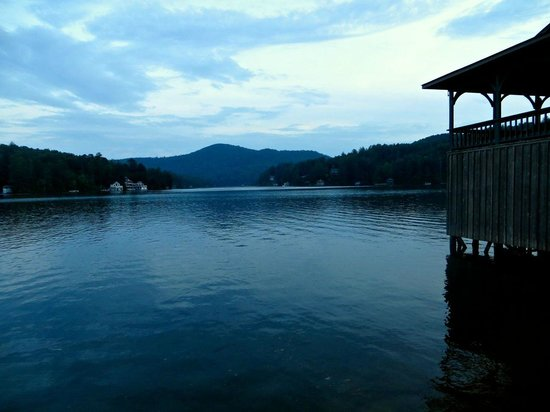 Lake Rabun Hotel & Restaurant: View of Lake...  Not from Hotel Grounds but after a short walk.