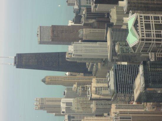 Skydeck Chicago - Willis Tower: vista del edificio John Hancock