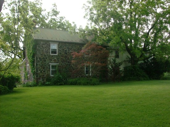 Battlefield Bed and Breakfast Inn: B&B Grounds