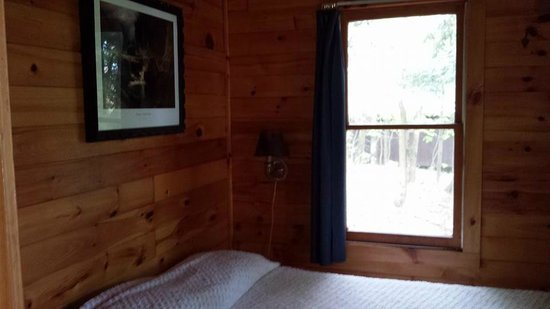 Camp Driftwood: Master bedroom