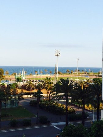 NH Hesperia Barcelona del Mar: Loved the view from the room