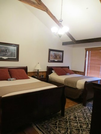 The Lodges at Gettysburg : bedroom in RI lodge. 2 queen beds
