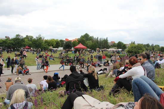 Mauerpark Flea Market: Just a good place to chill out