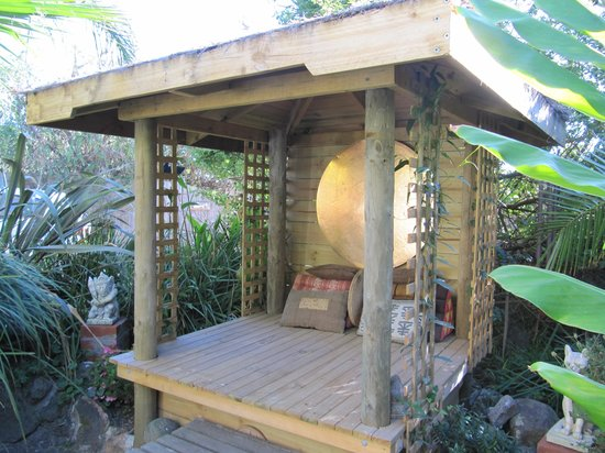 Seas The Day B&B: Private garden cabana