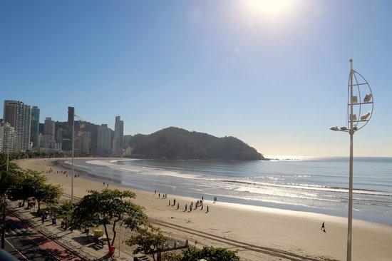 D'Sintra Hotel: Vista das piscinas, lado norte da praia.
