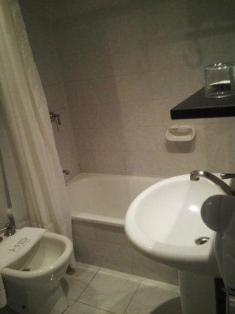 Hotel Iruna Mar del Plata: Baño
