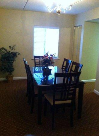 Princess Royale Resort: Dining room 2bdrm suite 10th flr