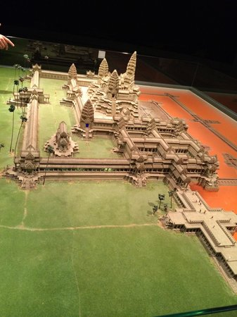 Angkor National Museum: A best place to know more about history of angkor