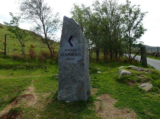 Snowdon: Stone pillar near Llanberis Path gate