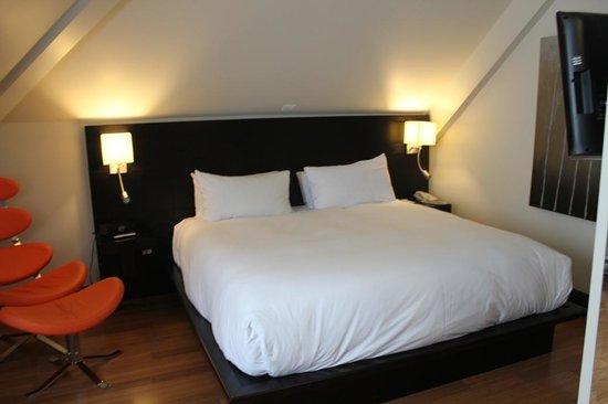 Le Petit Hotel: Habitación