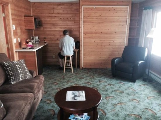 Lost Lake Lodge: living room of one bedroom cabin