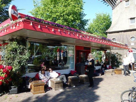 Bar Langendijk: Outside the restaurant