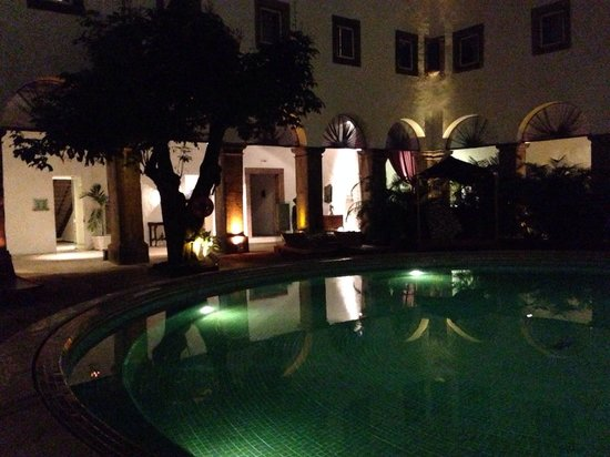 Pestana Convento do Carmo Bahia: Pool by night