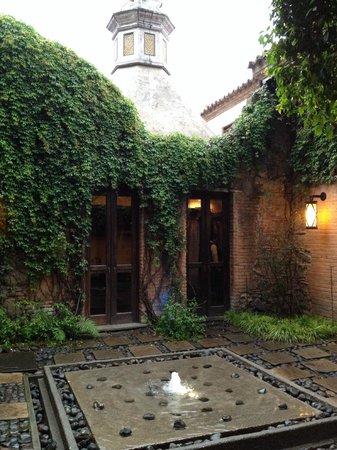 El Convento Boutique Hotel: one entry