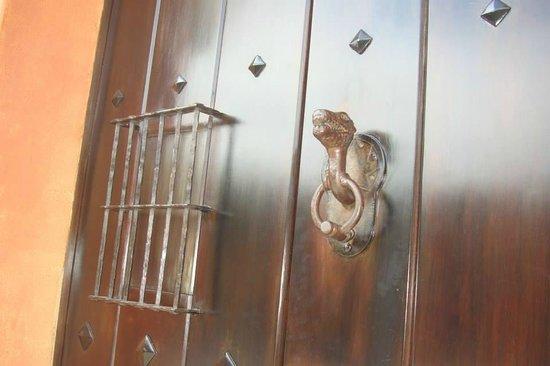 Hotel Lo De Bernal: La puerta de entrada