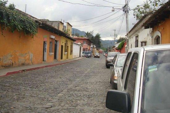 Hotel Lo De Bernal: La calle donde está ubicado el lugar
