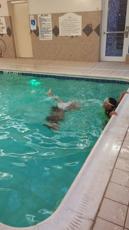 Hilton Garden Inn Fayetteville/Fort Bragg : pool fun
